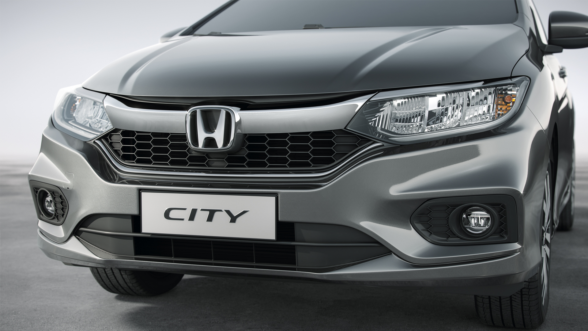 Honda City - Grade frontal cromada com visual imponente