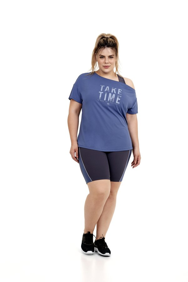 T-Shirt Skin Fit Ombro Caido Plus